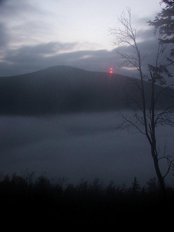 RTON Czarna Góra transmitujący sygnał telewizji i radia na terenie Kotliny Kłodzkiej (źródło: Wikipedia)