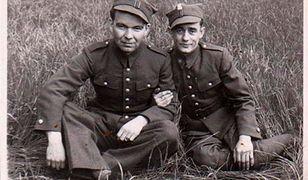 Władysław Kocaj (z lewej) w 1939 r. został wcielony do 26 pułku piechoty