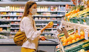 Koronawirus. Rzecznik MŚP pyta, czy pracownicy sklepów mogą reagować na brak maseczki