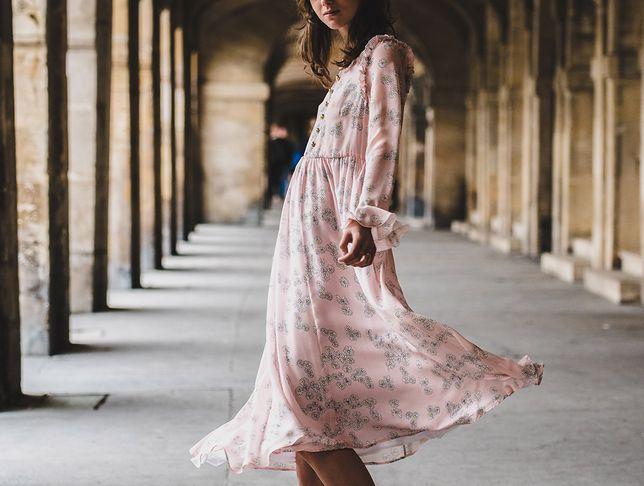 Letnia sukienka to kwintesencja kobiecości