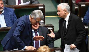 Stanisław Piotrowicz i Jarosław Kaczyński w Sejmie.