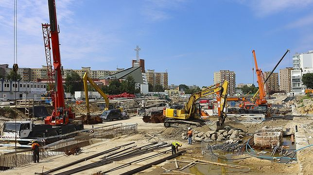 Warszawa. Prace na budowie metra postępują