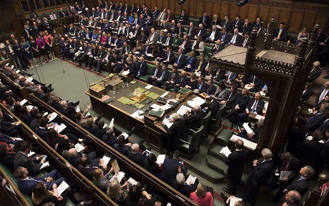 """Kolejne głosowania w brytyjskim parlamencie. """"Deal May"""" znów na stole"""