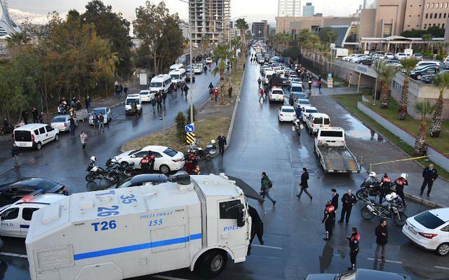 Ugrupowane kurdyjskie winne zamachu w Izmirze