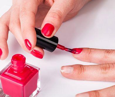 Studniówkowy manicure wbrew pozorom jest nieoczywisty.
