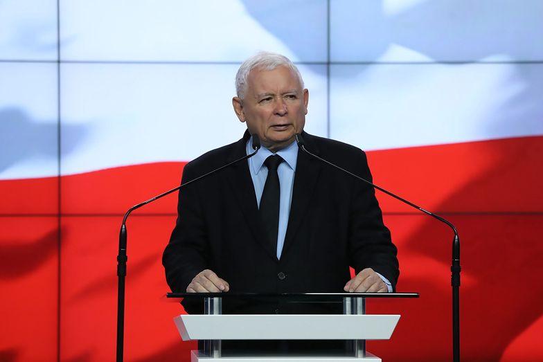 Nieufny Jarosław Kaczyński. Boi się podsłuchów? Twarde zasady prezesa PiS