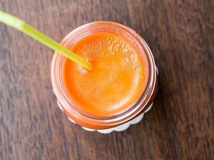 Karotenowy koktajl, który pozytywnie wpływa na urodę
