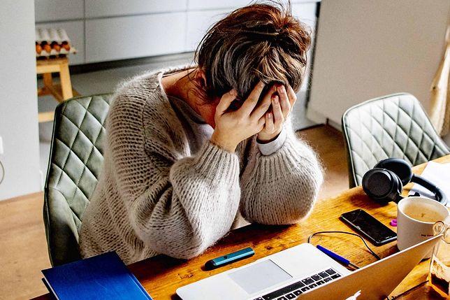 Rodzice coraz częściej dzielą się sekretami swoich dzieci w internecie