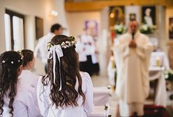 Prezent na komunię od chrzestnych. Ile dać w kopercie chrześniakowi?
