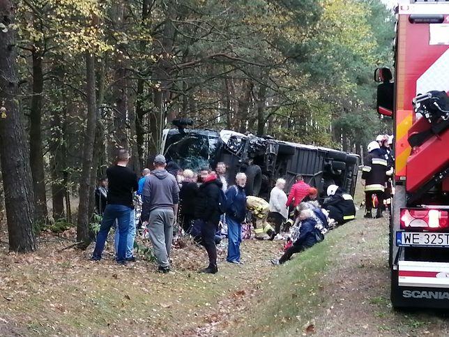 Wypadek autobusu pod Ostrołęką.