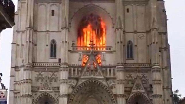 Pożar w katedrze św. Piotra i Pawła w Nantes. Historia katedry