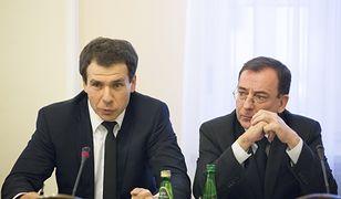 Od lewej: Ernest Bejda (szef CBA) oraz Mariusz Kamiński (minister koordynator ds. służb specjalnych)