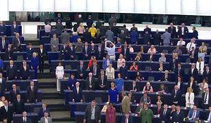 Incydent w PE. Polscy europosłowie nawet nie wstali