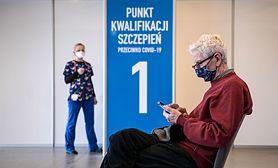 """Szczepienia przeciw COVID-19. Prof. Gut o wydłużeniu odstępu między dawkami: """"Nie mamy innego wyjścia"""""""