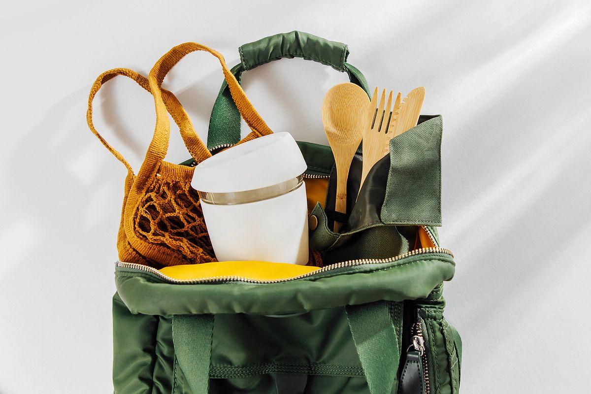 Jak używać mniej plastiku w kuchni? Zero waste dla opornych