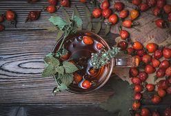 Róża nie tylko w bukiecie. Owoce idealne na zimowe wino