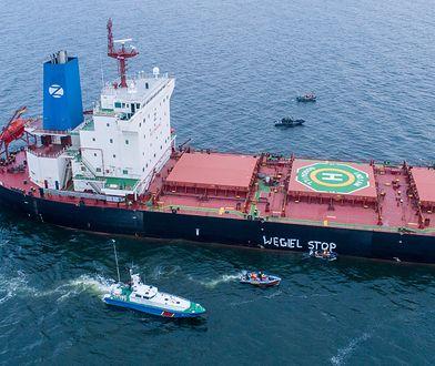 Działacze Greenpeace uniemożliwili rozładunek węgla z Mozambiku