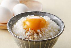 TKG, czyli ryż na śniadanie. Nie tylko carbonara kocha surowe jajko