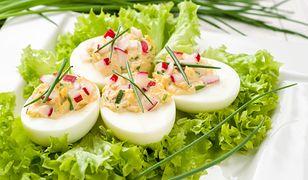 Jajka faszerowane twarożkiem ziołowym