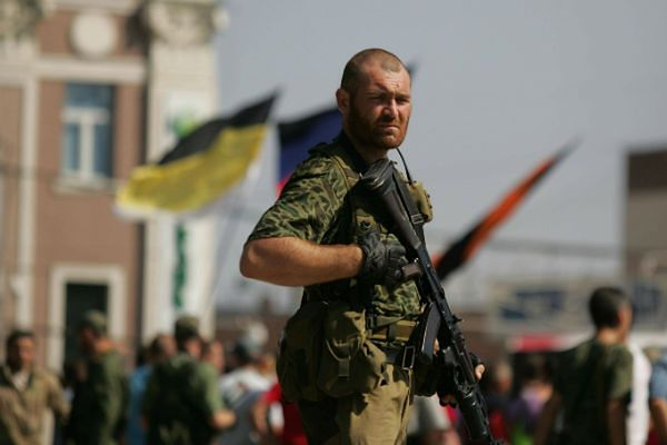 Prorosyjski separatysta w Doniecku