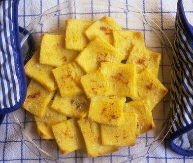 Polenta to włoska potrawa z mąki kukurydzianej