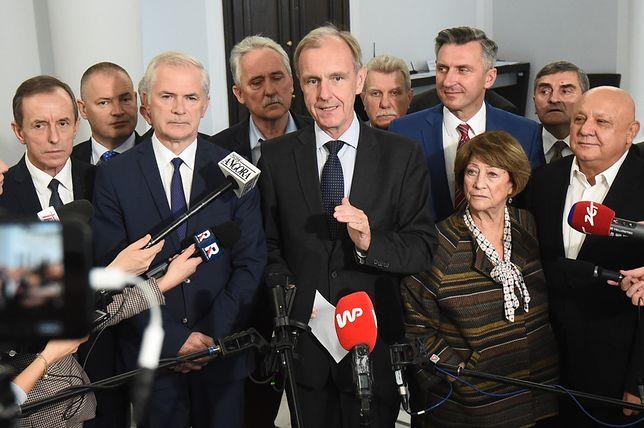 """Senatorowie nie chcą obradować. """"Zły precedens"""""""