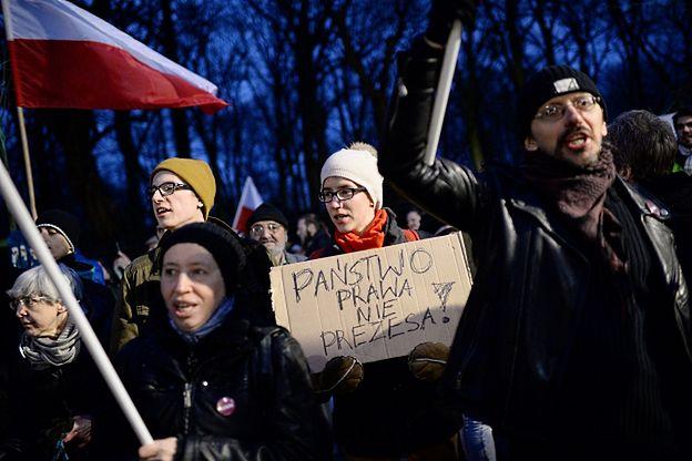 Przed KPRM demonstracje ws. nieopublikowania wyroku TK