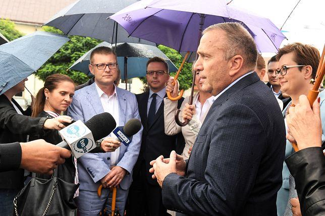 Grzegorz Schetyna w czasie konferencji prasowej w Warszawie