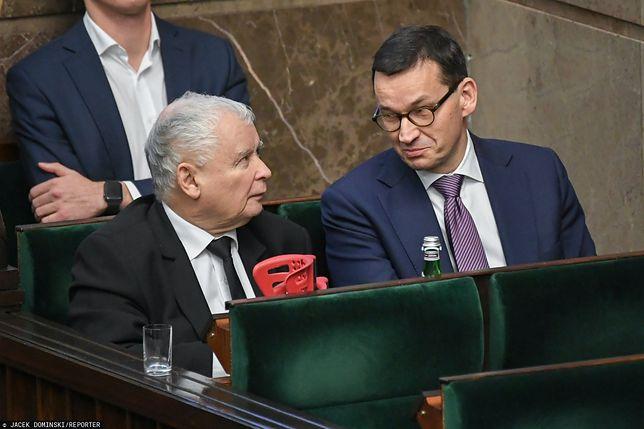 Najnowszy sondaż. PiS nie zniechęcił do siebie Polaków