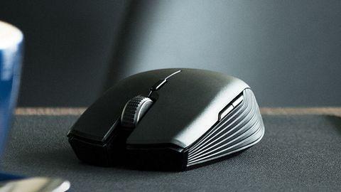 Myszka Razer Atheris na dwóch bateriach AA wytrzyma 350 godzin