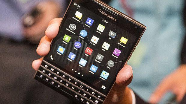 BlackBerry przedstawia zalety kwadratowego ekranu w smartfonie