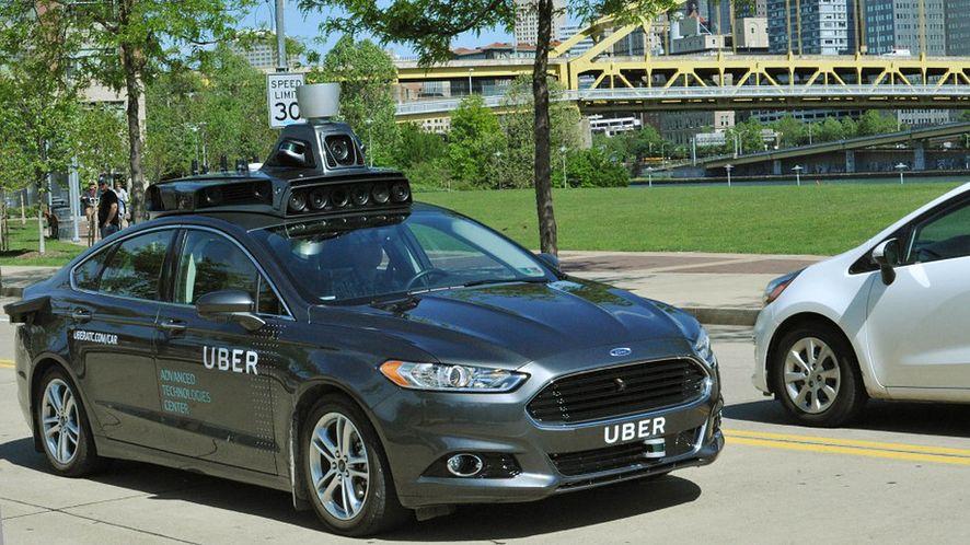 Na ulice Pittsburgha wyjechała flota autonomicznych samochodów Ubera