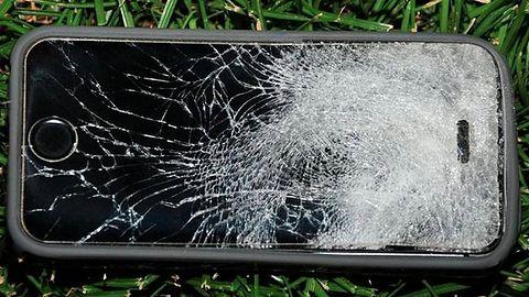 Dobry smartfon to twardy smartfon? iPhone 5s zatrzymał pocisk, uratował studenta