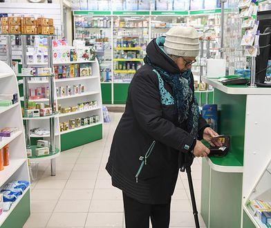 Ratownik, który zmaga się z tymi problemami, wcześniej pracował jako aptekarz, więc miał okazję przekonać się na własne oczy, jak wygląda wykupywanie leków przez Polaków