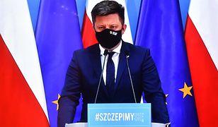 Szef KPRM Michał Dworczyk, nie oszczędzał na swoich pracownikach.