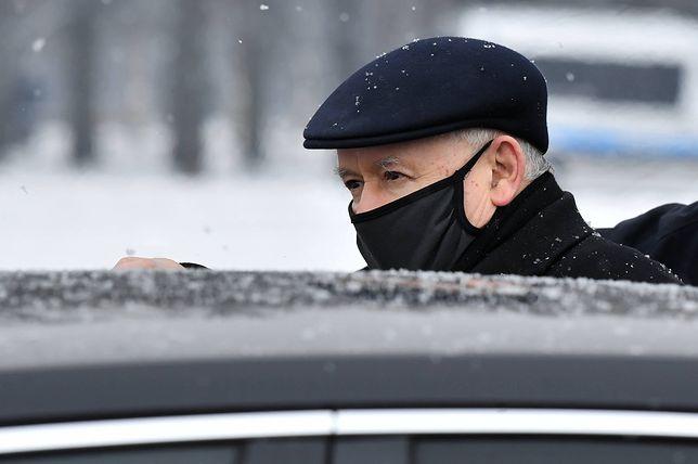 Jarosław Kaczyński miał się zaszczepić, ale coś poszło nie tak