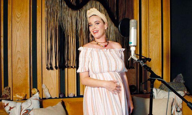 Katy Perry zaskoczyła swoich fanów zmianą fryzury przed porodem.