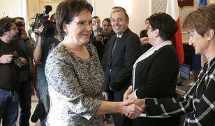 Premier wręczyła milionowy egzemplarz Karty Dużej Rodziny