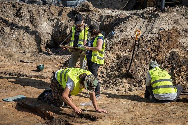 Prace archeologiczne na placu Krasińskich