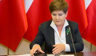 Premier Szydło podwyższyła pensję minimalną, bo pięknie zyska na tym budżet