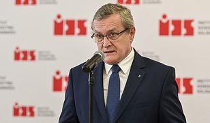Spór o tablice ze Stoczni Gdańskiej. Minister Piotr Gliński mówi o absurdzie