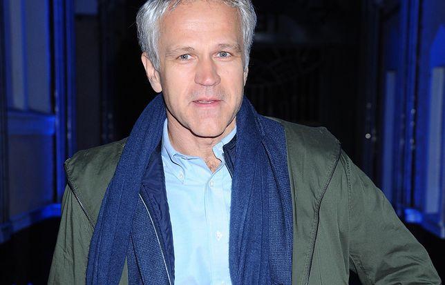 Radosław Pazura postanowił zapuścić włosy