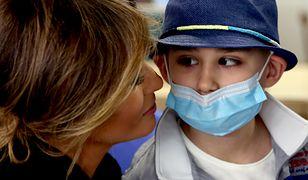 Melania Trump odwiedziła chore dzieci w watykańskim szpitalu. Po jej wizycie zdarzył się cud!