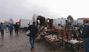 Na giełdzie w Słomczynie niedaleko Grójca nikt zakazem handlu się nie przejmuje.