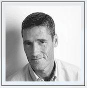 Martin Brennan zaczynał karierę w Sinclair Research. Jeden z inżynierów projektujących układy Flare 1 i Flare 2.