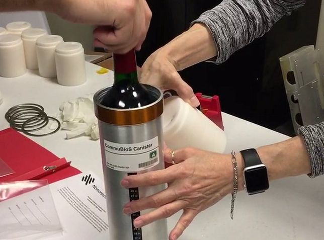 Butelki Bordeaux zwróciły z ISS