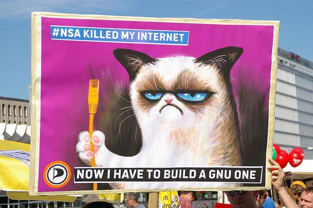 Sprzeczne opinie sądów w sprawie inwigilacji prowadzonej przez NSA