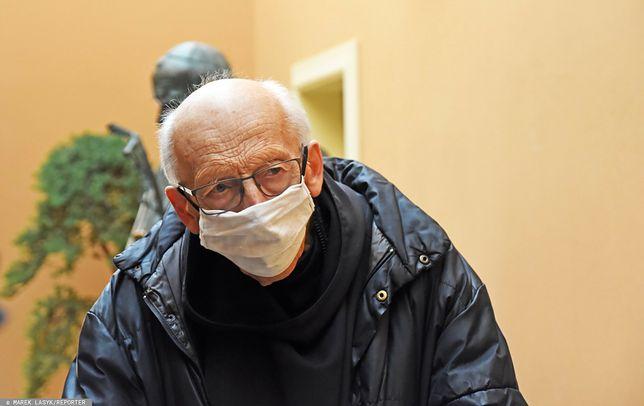 Ojciec Leon Knabit był zarażony koronawirusem