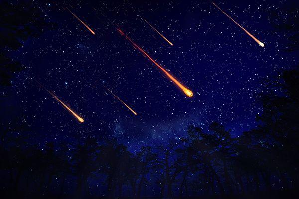 """Astronom radzi, jak sfotografować """"spadającą gwiazdę"""""""