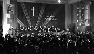 Obrady I Krajowego Zjazdu Delegatów Komisji Księży przy ZBoWiD z udziałem 350 duchownych. Warszawa, luty 1952 r.